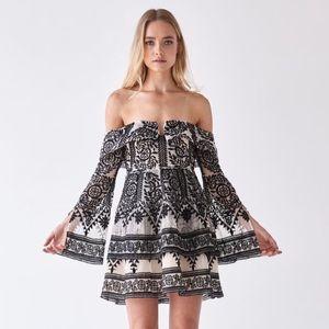 NWOT 🖤 Elliatt Antoinette Off The Shoulder Dress